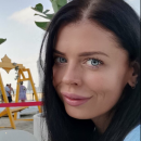Medium Amanda